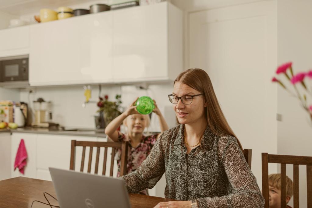 Paluu työelämään onnistui Ekonomien sparrauksen avulla – Anni Rantala löysi mieleisen työn kymmenen kotiäitivuoden jälkeen