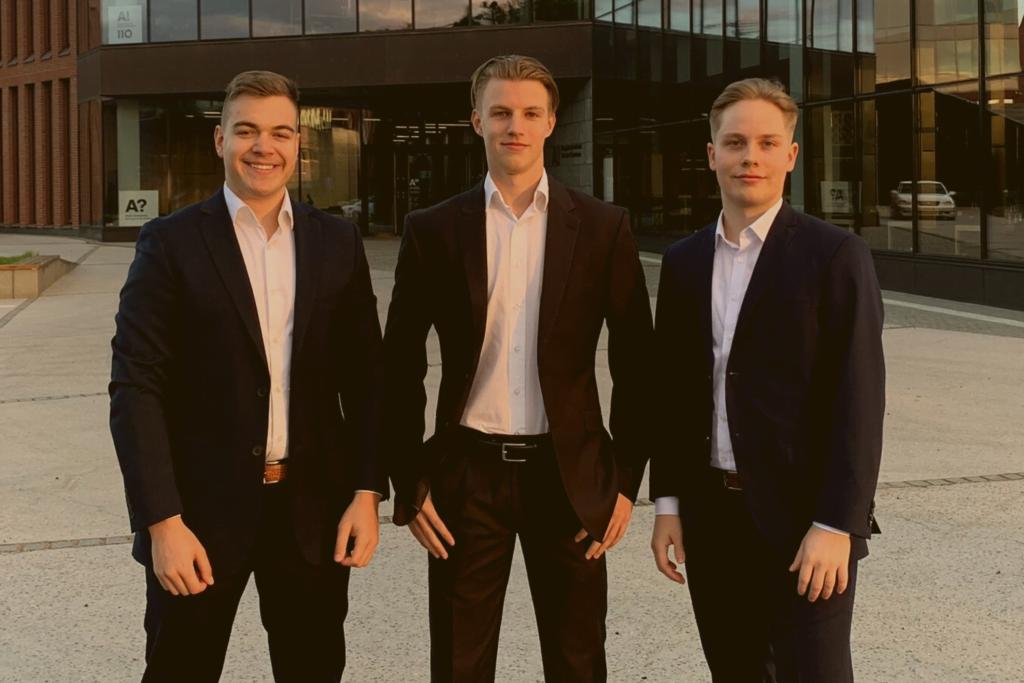 Kauppatieteiden Biz Potential Finland 2021 -kilpailun voitto KY:n joukkueelle